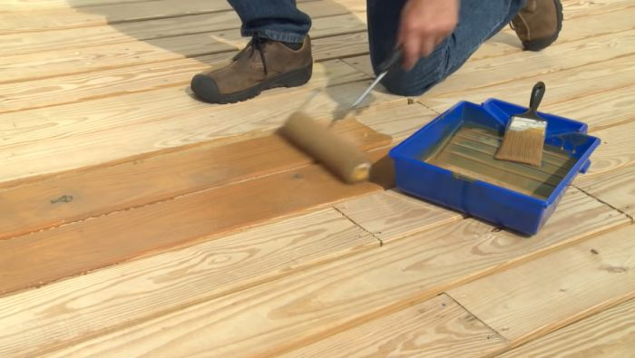 How do paints protect your deck