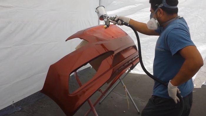 Paint A Car With A Turbine Sprayer
