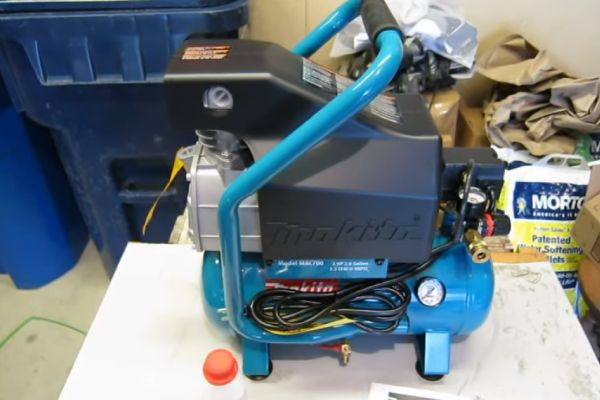 Makita Mac700 Review & Buyers Guide – The Best Choice For Air Compressor