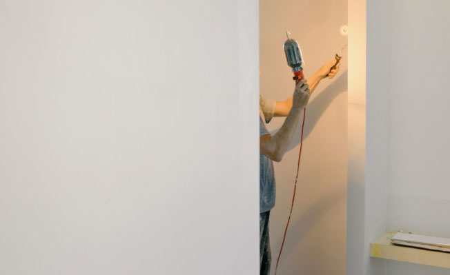 What affects the cost to paint a room